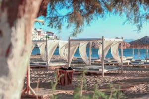 Hotel in Andros by the beach