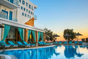 Hotel with swimming pool in Andros